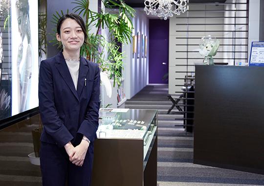 スタッフの笑顔が入社の決め手。お客様に楽しんでいただくことが、成長の近道。